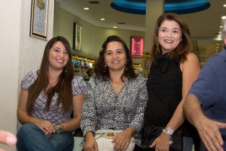 Carol, Leila e Ana Cláudia.