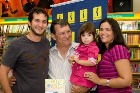 Meu Pai e minhas irmãs Sílvia Louise e Ana Cristina