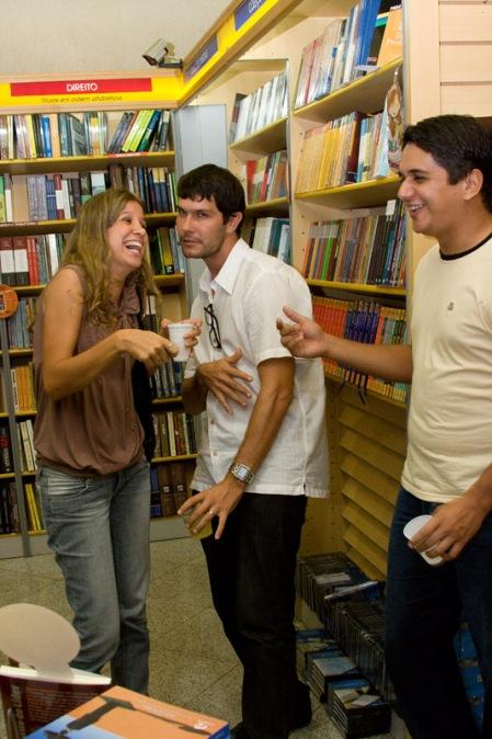 Paulinha, Thiago e Iuri. O Comitê marcando presença.