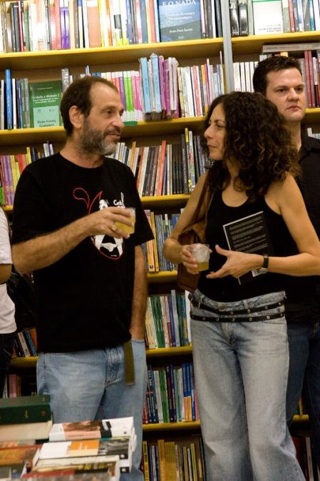 Paulo Sarkis, o grande ídolo da juventude e Nalva, que faz a cabeça da rapaziada há 15 anos.