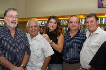 Sérgio, Zé Augusto, Ana Cláudia (prima), Robinson (primo) e José Arruda (meu pai).